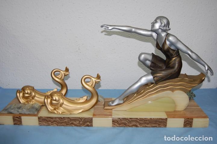 PRECIOSA ESCULTURA ART DECO MUJER EN MOVIMIENTO DE 1920. (Arte - Escultura - Otros Materiales)