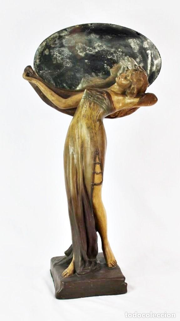 NINFA MODERNISTA ART NOUVEAU CON ESPEJO. ESTUCO POLICROMADO. PRINCIPIOS S XX - 65 CMS (Arte - Escultura - Otros Materiales)