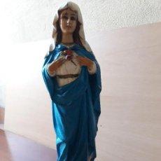 Arte: ANTIGUA VIRGEN DEL SAGRADO CORAZON- PASTA DE OLOT BASE DE MADERA- SELLO. Lote 141953922