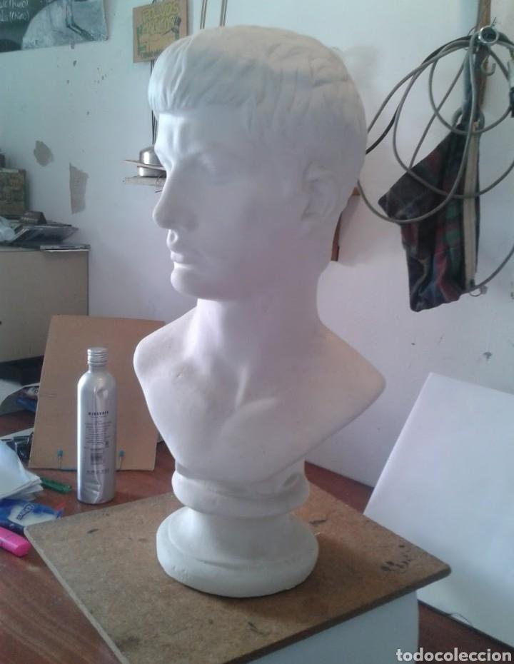 Arte: Busto vaciado en escayola César Augusto - Foto 2 - 156345033
