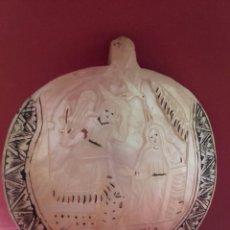 Arte: ANTIGUA CONCHA DE MADREPERLA TALLADA Y PINTADA SS ANUNCIATA. Lote 162573069