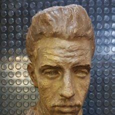 Arte: BUSTO DEL REY ALFONSO XIII POR EL ESCULTOR CARLOS RIDAURA VACIADO EN ESCAYOLA PATINADA.. Lote 163602188