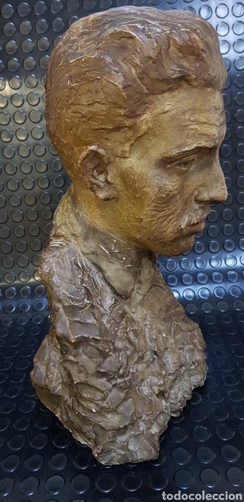 Arte: Busto del Rey Alfonso XIII por el escultor Carlos Ridaura vaciado en escayola patinada. - Foto 2 - 163602188