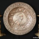 Arte: GRAN PLATO DE COBRE PLATEADO CON 50 CM DE DIÁMETRO, DECORADO CON ESCENAS MITOLÓGICAS. HACIA 1900.. Lote 168230912