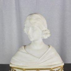 Arte: BUSTO DE DAMA MODERNISTA EN MARMOL - FIRMADO POR EL ESCULTOR ADOLFO CIPRIANI (ITALIA, 1857-1930).. Lote 172823332