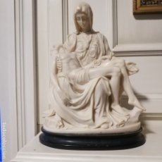 Arte: ESCULTURA FIGURA RELIGIOSA IMAGEN DE LA PIEDAD DE MIGUEL ANGEL, MEDIDAS: 27 X 21 X 11,5. Lote 133157598