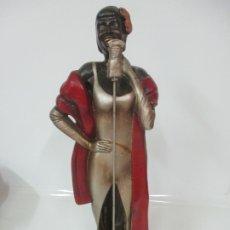 Arte: ANTIGUA FIGURA - CANTANTE - ESTUCO POLICROMADO - 53 CM ALTURA - MUY DECORATIVA. Lote 175444880