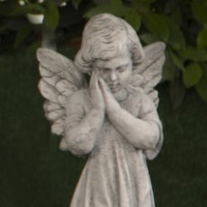 Arte: BELLÍSIMA ESTATUA DE ANGEL PENSANTIVO REALIZADO EN PIEDRA CLASICA 57X13X13CM.. Lote 177461358
