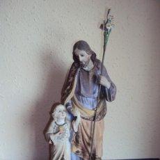 Arte: (ANT-190976)SAN JOSE Y EL NIÑO JESUS - OJOS DE CRISTAL - YESO - BASE DE MADERA - OLOT ???. Lote 177644159