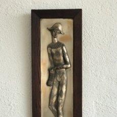"""Arte: BAJO RELIEVE ENMARCADO DE PABLO PICASSO """"ARLEQUÍN """" 1960. . Lote 177776360"""