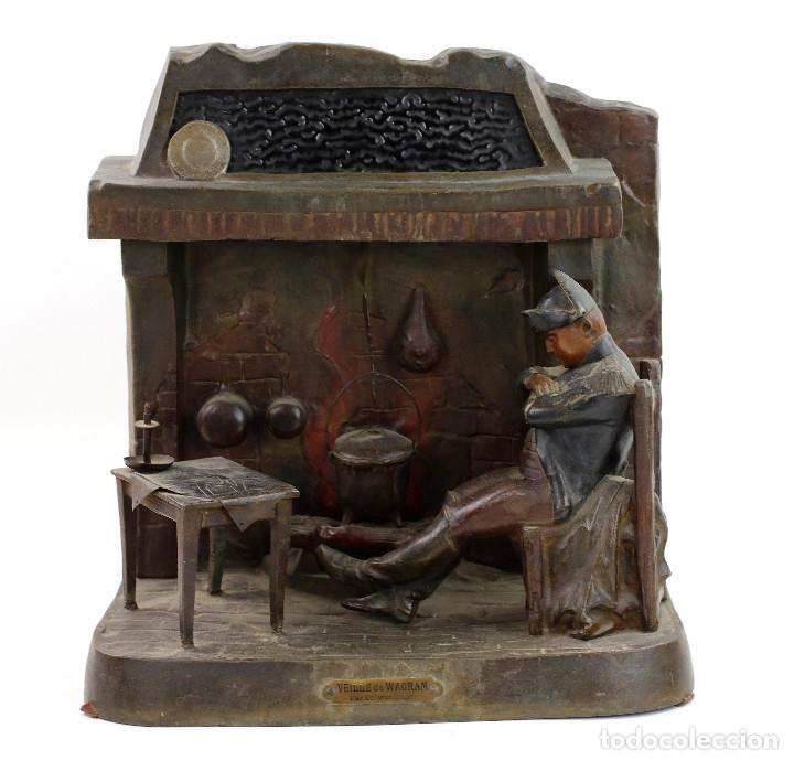 ESCULTURA DE NAPOLEÓN DELANTE UNA COCINA. VEILLE DE WAGAM, PAR SALESIO. (Arte - Escultura - Otros Materiales)