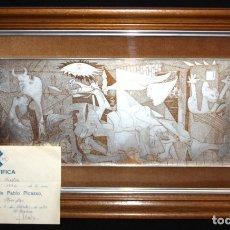 Arte: PABLO PICASSO. GRABADO EN PLATA FINA SOBRE BASE DE COBRE. REPRODUCCION DEL GUERNICA. CON CERTIFICADO. Lote 178868723