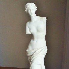 Arte: VENUS DE MILO. FIRMA ANGEL MATEOS. 41 CM DE ALTURA. ESCAYOLA.. Lote 180175053