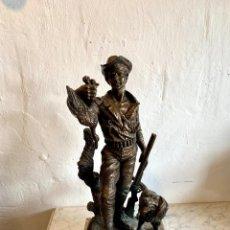 Arte: ESCULTURA DE CAZADOR EN BAÑO DE BRONCE FIRMADA MS.ENSERRISN. Lote 183422822