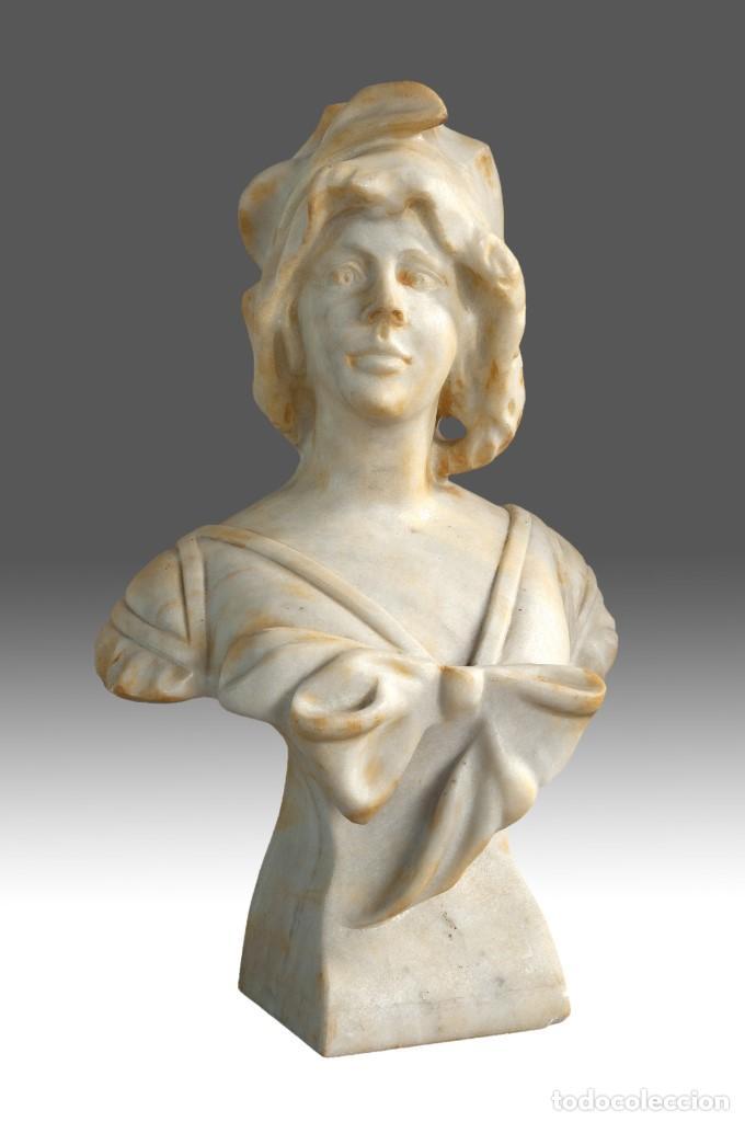 BUSTO FEMENINO. MÁRMOL. SIGLO XX. (Arte - Escultura - Otros Materiales)
