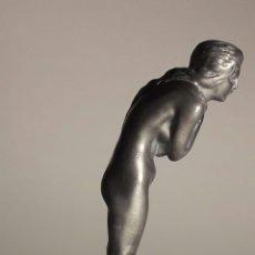 Arte: ESCULTURA DE ESTAÑO DE DESNUDO FEMENINO. FIRMADO EN BASE M. LE VERRIER. ART DÉCO FRANCIA 1920-30. Lote 189342801