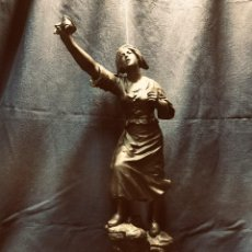 Arte: FIGURA BRONCE CALAMINA PATINADO MUJER HEROICA PATRIOTISMO FRANCÉS EN DÉTRESSE MESTAIS I GM 53 CM. Lote 190314845