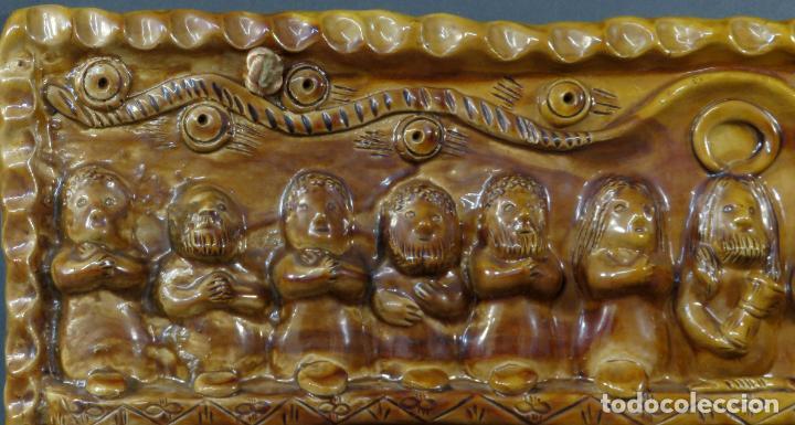 Arte: Placa relieve Última Cena en barro cocido vidriado Rosa Ramalho firmado en el frente siglo XX - Foto 2 - 194489131