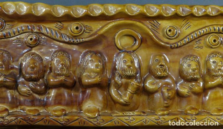 Arte: Placa relieve Última Cena en barro cocido vidriado Rosa Ramalho firmado en el frente siglo XX - Foto 3 - 194489131