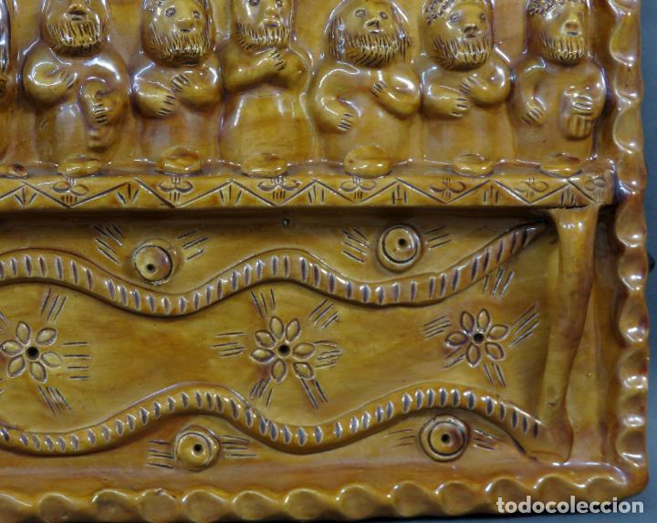 Arte: Placa relieve Última Cena en barro cocido vidriado Rosa Ramalho firmado en el frente siglo XX - Foto 5 - 194489131