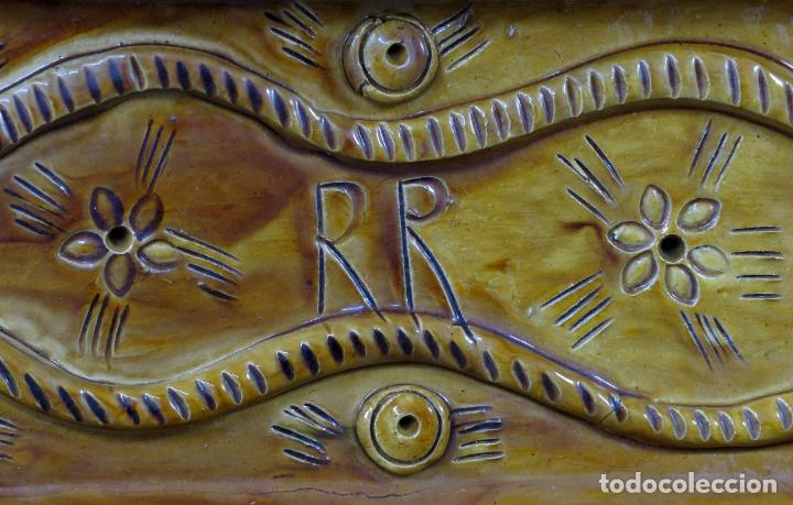 Arte: Placa relieve Última Cena en barro cocido vidriado Rosa Ramalho firmado en el frente siglo XX - Foto 7 - 194489131