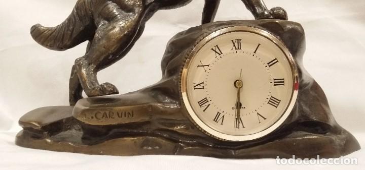 Arte: Oportunidad: Magnifica escultura de perro lobo con reloj Carvin - Foto 4 - 197691007