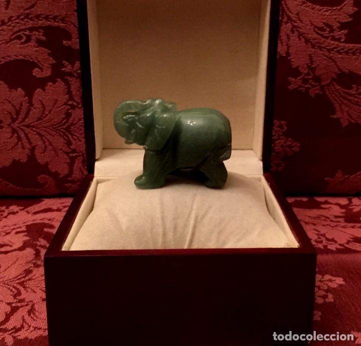 ELEFANTE TALLADO EN JADE NATURAL - 65 GRAMOS. (Arte - Escultura - Otros Materiales)