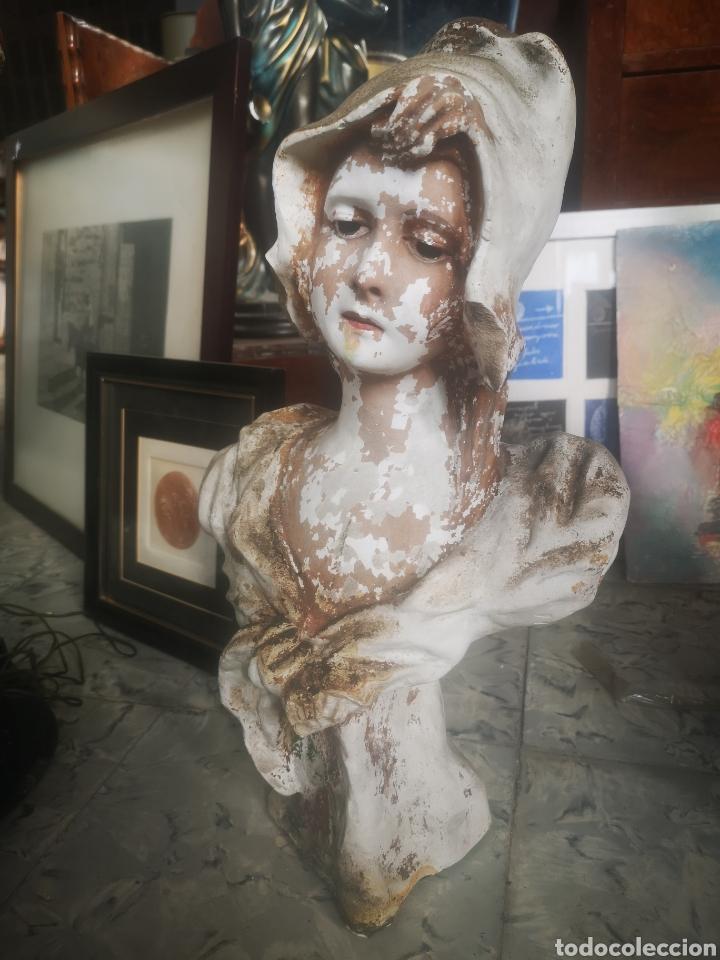 ESCULTURA MODERNISTA, MUJER. 50CM (Arte - Escultura - Otros Materiales)