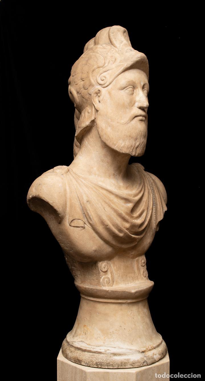 BUSTO DE MÁRMOL REPRESENTANDO A ARES DIOS DE LA GUERRA ESCUELA ITALIANA SIGLO XVII (Arte - Escultura - Otros Materiales)