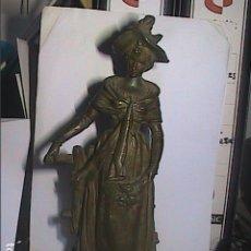 Arte: ANTIGUA ESCULTURA EN METAL FINALES S.XIX. MUJER EN JARDÍN. ROMANTICISMO. 28 CM.. Lote 214058161