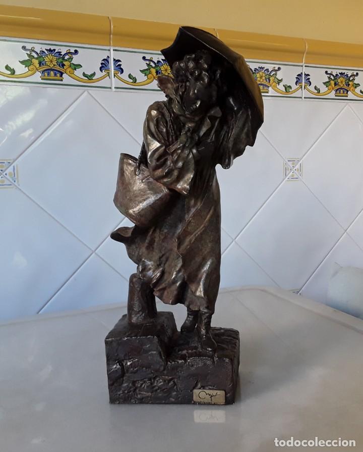 Arte: Escultura patinada bronce de ANTONI MIRO. Mujer contra la tempestad. INVERART. - Foto 10 - 215650033
