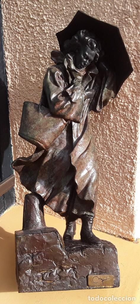 Arte: Escultura patinada bronce de ANTONI MIRO. Mujer contra la tempestad. INVERART. - Foto 7 - 215650033
