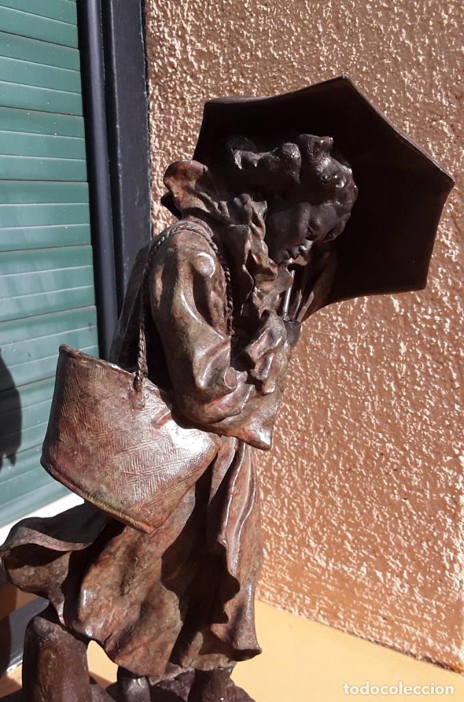 Arte: Escultura patinada bronce de ANTONI MIRO. Mujer contra la tempestad. INVERART. - Foto 8 - 215650033