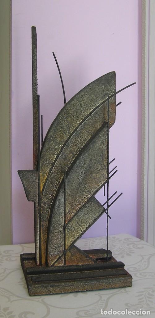 ESCULTURA ABSTRACTA DE JOSE SANZ SALA EN PEQUEÑO FORMATO (Arte - Escultura - Otros Materiales)