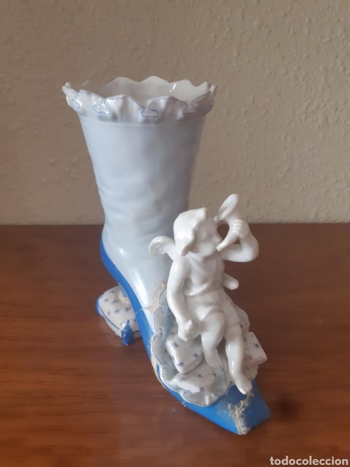 Arte: Figura de angel sobre bota - Foto 2 - 222141226