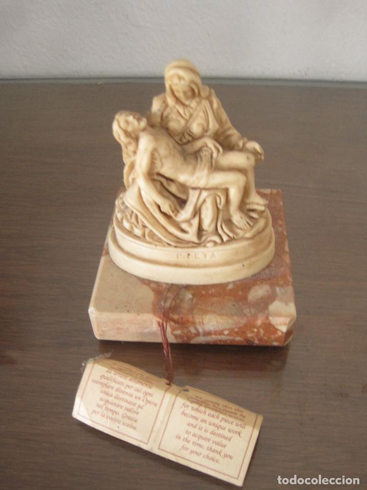 ESTATUILLA REPRODUCCIÓN HECHA A MANO DE LA PIEDAD DE MICHELANGELO (Arte - Escultura - Otros Materiales)