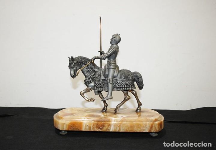 ESCULTURA ANTIGUA TEMPLARIO - CABALLO CON GUERRERO MEDIEVAL (Arte - Escultura - Otros Materiales)