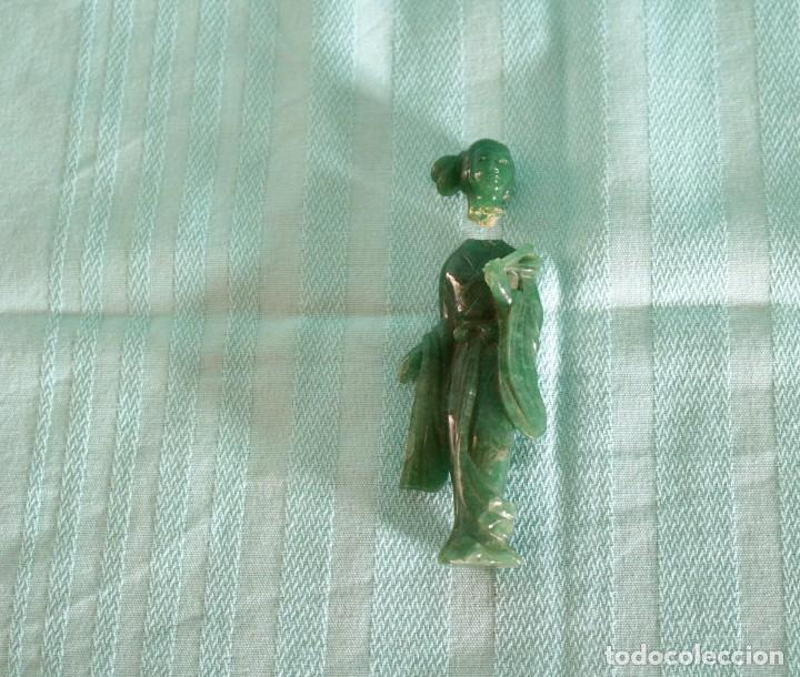 FINA FIGURA ORIENTAL DE JADE. FINE ORIENTAL JADE FIGURE (Arte - Escultura - Otros Materiales)