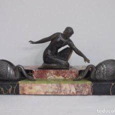 Arte: ESPECTACULAR FIGURA DE EPOCA ART DECO - MUJER CON CISNES - MARMOL Y CALAMINA. Lote 240925710