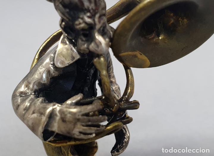 Arte: Miniatura payaso músico con trombón en plata y metal de Vittorio Angini segunda mitad del siglo XX - Foto 5 - 241049440