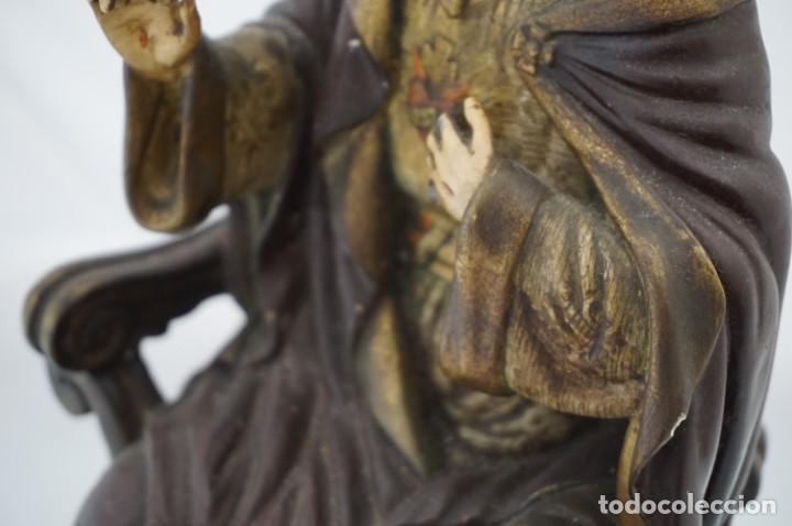 Arte: IMPRESIONANTE Y RARO SAGRADO CORAZON DE JESUS - PASTA DE MADERA - SENTADO EN SILLA - 40CM APROX - Foto 11 - 241190650