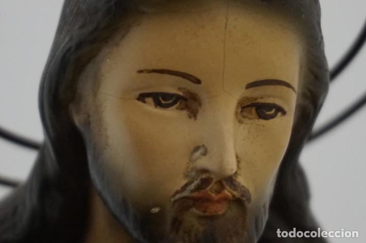 Arte: IMPRESIONANTE Y RARO SAGRADO CORAZON DE JESUS - PASTA DE MADERA - SENTADO EN SILLA - 40CM APROX - Foto 17 - 241190650
