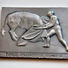 Arte: CUADRO TIPO LINGOTE GOYA SIMIL (DOBLE CARA) PEDRO ROMERO MATANDO - TIPICO AYUDADO BOMBITA - 63.29.GR. Lote 245484340