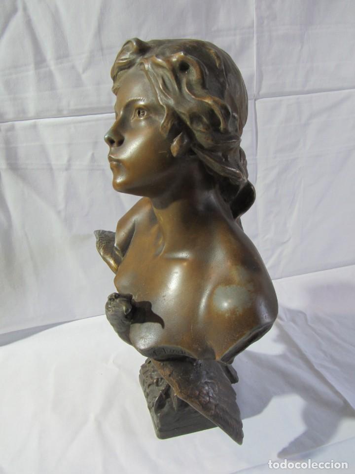 Arte: Busto de mujer con aguila, Richard Aurili (1834-1914), alumino o calamina patinada, 41 cm de altura - Foto 4 - 265835944