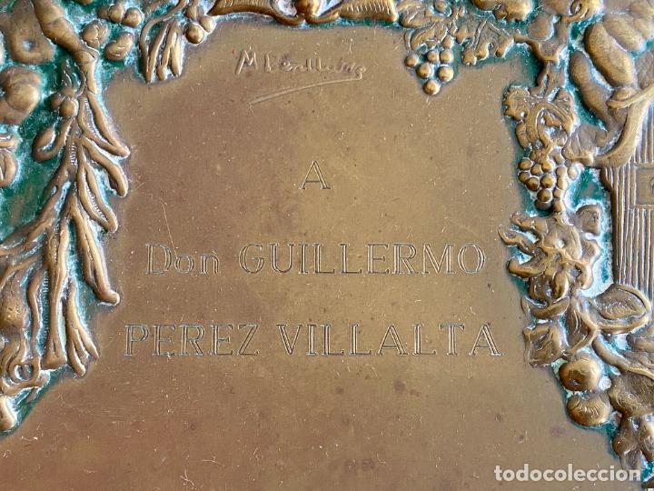 Arte: PLACA DE MARIANO BERTUCHI POR CARRERA Y CARRERA A GUILLERMO PEREZ VILLALTA , 1986 - Foto 3 - 277573753