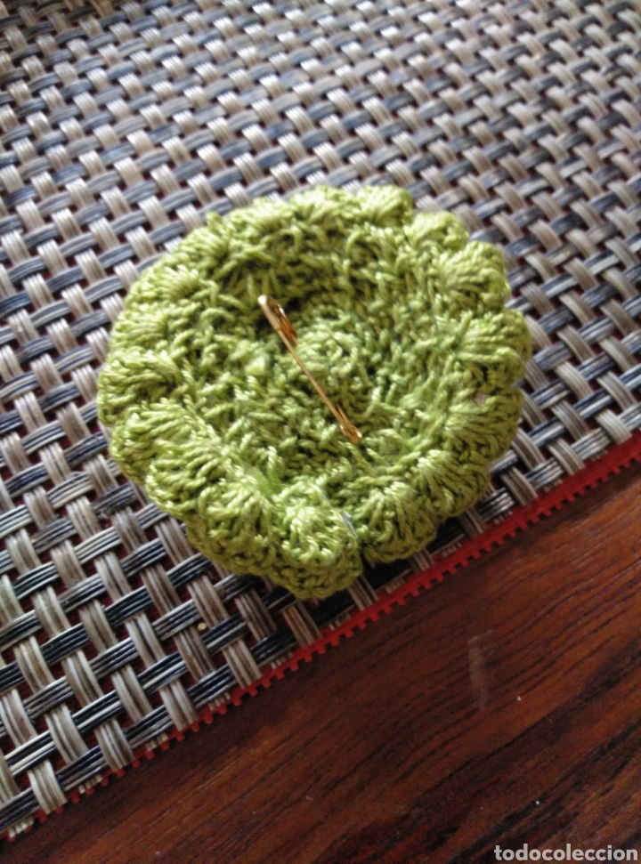 Artesanía: Broche flor de ganchillo verde hecho a mano - Foto 2 - 176742448