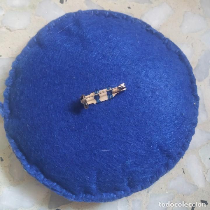 Artesanía: Broche de fieltro con flor. 9 cm de diámetro. Artesanía - Foto 2 - 266413103