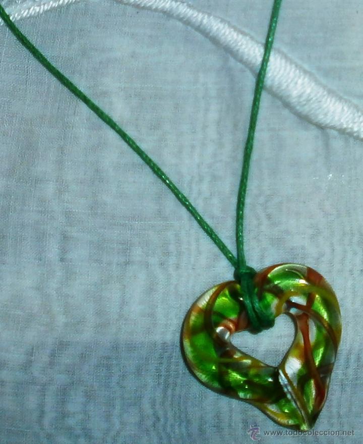 Artesanía: C6 Collar corto / Gargantilla - Corazón cristal de colores - Cordón verde - Foto 2 - 44902486