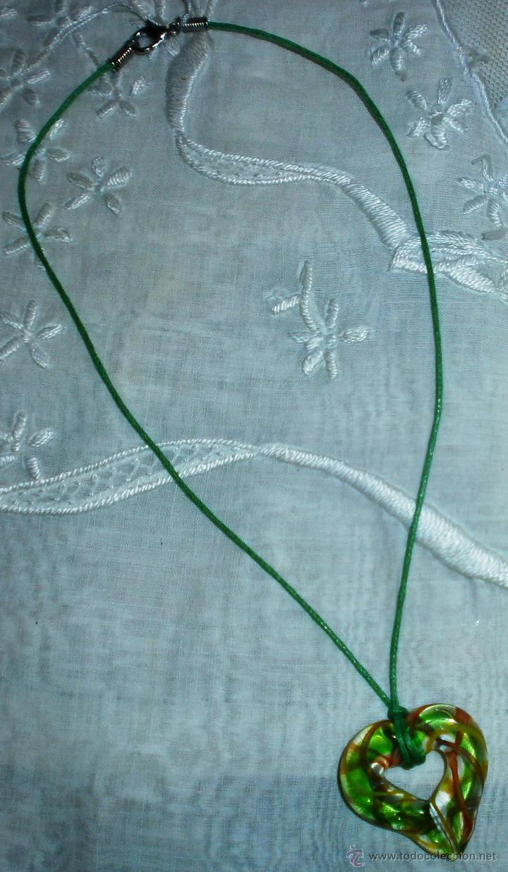 Artesanía: C6 Collar corto / Gargantilla - Corazón cristal de colores - Cordón verde - Foto 3 - 44902486