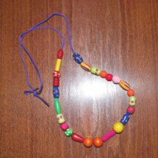 Artesanía: COLLAR INFANTIL DE CUENTAS DE MADERA PINTADAS (VER FOTOS ADICIONALES). Lote 66943074
